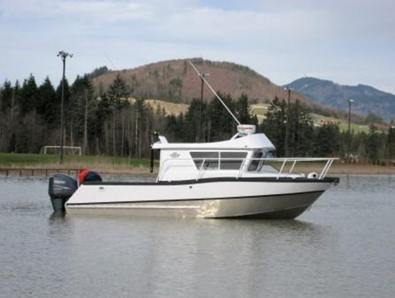 24 FT Sportfisher 2a.jpg